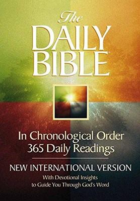The Daily Bible: New International Version (NIV) (Paperback)